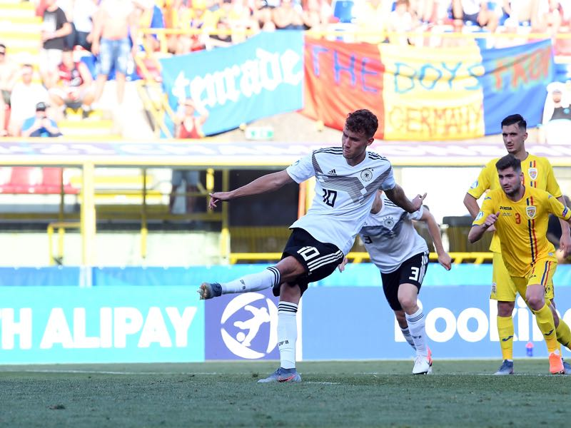 Luca Waldschmidt of Germany scores his team second goal during the 2019 UEFA U-21 Semi-Final match between Germany and Romania at Stadio Renato Dall'Ara on June 27, 2019 in Bologna, Italy. (Photo by Alessandro Sabattini/Getty Images )
