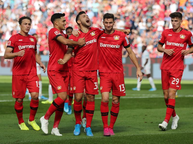 Bayer Leverkusen v Union Berlin - Kevin Volland of Bayer 04 Leverkusen (31) celebrates after scoring his team's first goal with team mates during the Bundesliga match between Bayer 04 Leverkusen and 1. FC Union Berlin at BayArena on September 21, 2019 in Leverkusen, Germany. (Photo by Christof Koepsel/Bongarts/Getty Images)
