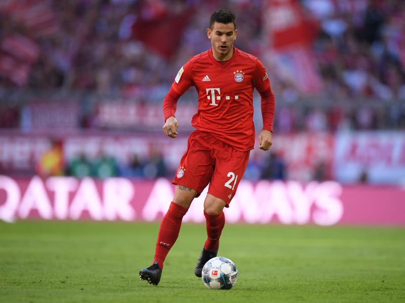 Lucas Hernandez of Bayern Munich plays the ball during the Bundesliga match between FC Bayern Muenchen and 1. FC Koeln at Allianz Arena on September 21, 2019 in Munich, Germany. (Photo by Sebastian Widmann/Bongarts/Getty Images)