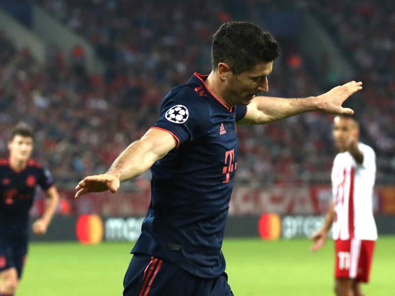 Robert Lewandowski of FC Bayern Munich celebrates after scoring his team's second goal during the UEFA Champions League group B match between Olympiacos FC and Bayern Muenchen at Karaiskakis Stadium on October 22, 2019 in Piraeus, Greece. (Photo by Alexander Hassenstein/Bongarts/Getty Images)
