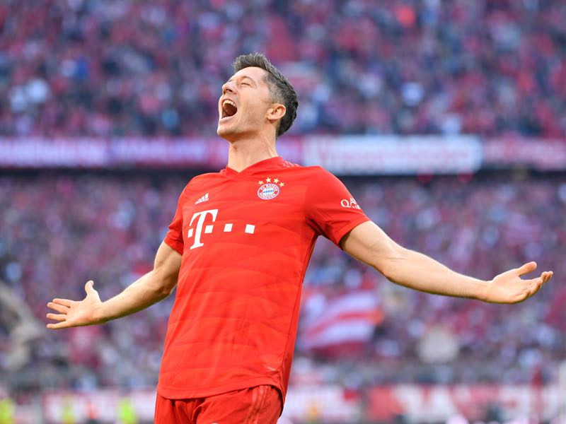 Bayern v Union Berlin - Robert Lewandowski of FC Bayern Munich celebrates after scoring his team's second goal during the Bundesliga match between FC Bayern Muenchen and 1. FC Union Berlin at Allianz Arena on October 26, 2019 in Munich, Germany. (Photo by Sebastian Widmann/Bongarts/Getty Images)