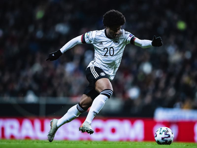 Germany v Northern Ireland - Serge Gnabry of Germany controls the ball during the UEFA Euro 2020 Qualifier between Germany and Northern Ireland at Commerzbank Arena on November 19, 2019 in Frankfurt am Main, Germany. (Photo by Simon Hofmann/Bongarts/Getty Images)