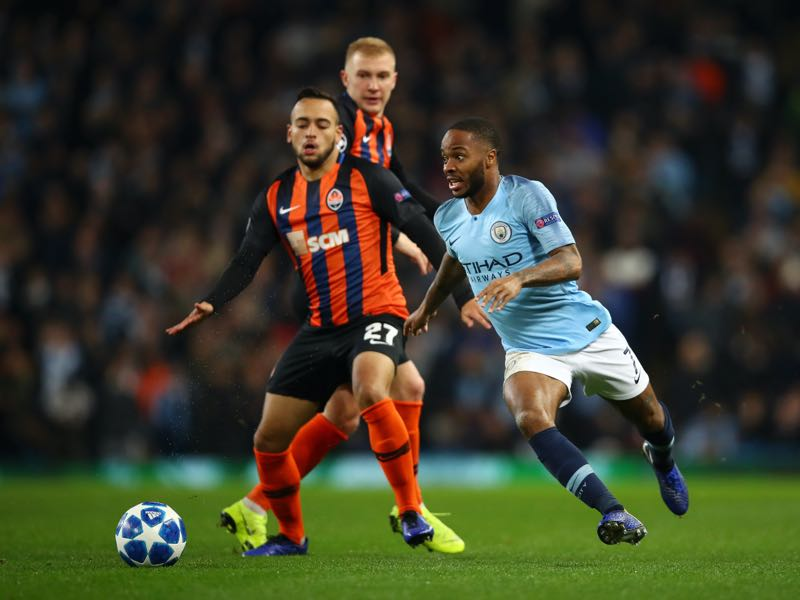 Maycon of Shakhtar Donetsk battles for possession with Raheem Sterling of Manchester City during the Group F match of the UEFA Champions League between Manchester City and FC Shakhtar Donetsk at Etihad Stadium on November 7, 2018 in Manchester, United Kingdom. (Photo by Clive Brunskill/Getty Images)