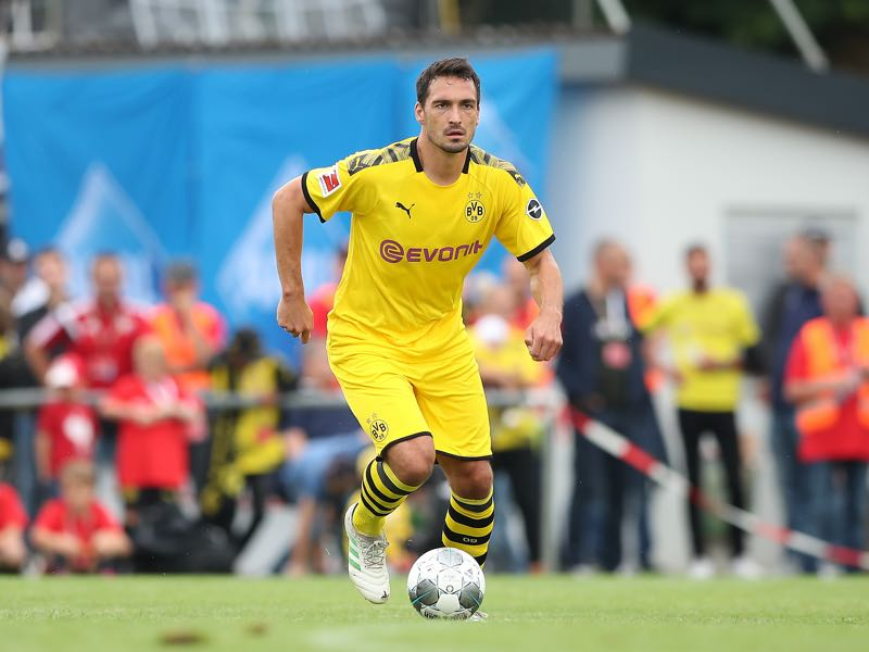 Mats Hummels of Borussia Dortmund in action during the pre-season friendly match between FC Schweinberg and Borussia Dortmund on July 12, 2019 in Schweinberg near Hardheim, Germany. (Photo by Christian Kaspar-Bartke/Bongarts/Getty Images)