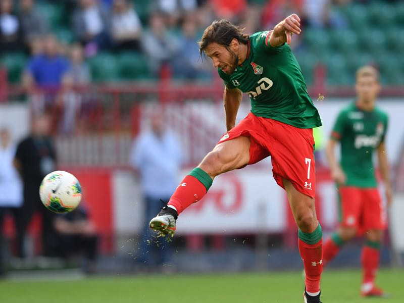 Grzegorz Krychowiak of FC Lokomotiv Moscow in action during the Russian Football League match between FC Lokomotiv Moscow and FC Tambov at Lokomotiv Stadium on July 21, 2019 in Moscow, Russia. (Photo by Epsilon/Getty Images)