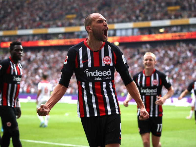 Bas Dost of Frankfurt celebrates after scoring his sides first goal during the Bundesliga match between Eintracht Frankfurt and Fortuna Duesseldorf at Commerzbank-Arena on September 01, 2019 in Frankfurt am Main, Germany. (Photo by Alex Grimm/Bongarts/Getty Images)