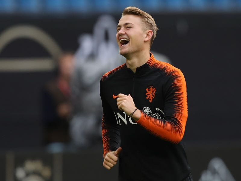Matthijs de Ligt of Holland smiles during a training session of the Netherlands national team prior to the UEFA Euro 2020 Qualifier match against Germany at Volksparkstadion on September 05, 2019 in Hamburg, Germany. (Photo by Alexander Hassenstein/Bongarts/Getty Images)