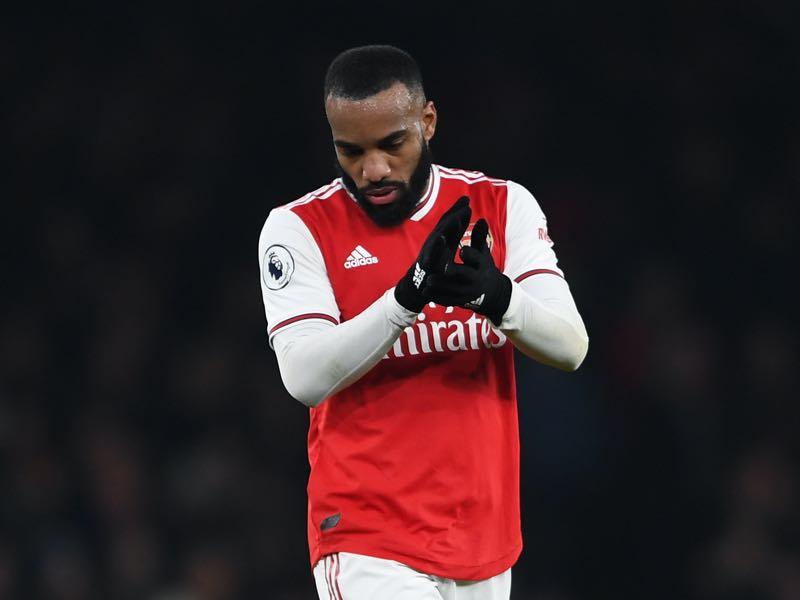 Alexandre Lacazette of Arsenal looks dejected following his team's defeat in the Premier League match between Arsenal FC and Southampton FC at Emirates Stadium on November 23, 2019 in London, United Kingdom. (Photo by Harriet Lander/Getty Images)