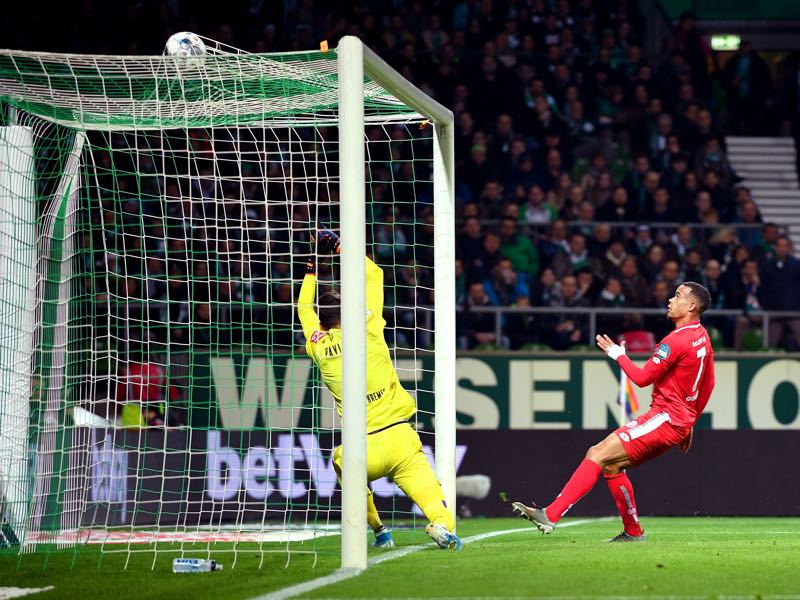 Werder Bremen v Mainz - Robin Quaison of 1. FSV Mainz 05 scores his team's fourth goal during the Bundesliga match between SV Werder Bremen and 1. FSV Mainz 05 at Wohninvest Weserstadion on December 17, 2019 in Bremen, Germany. (Photo by Thomas F. Starke/Bongarts/Getty Images)